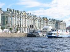 Водная экскурсия по рекам и каналам